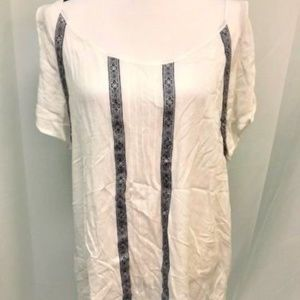 Two by Vince Camuto Ivory Blue Knit Details Top